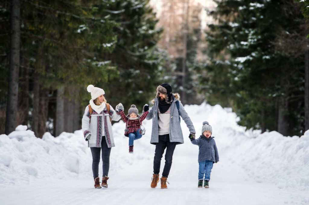 image of family enjoying winter activities in Connecticut.